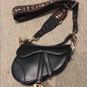 Dior Saddle Bag $ 3 0 0
